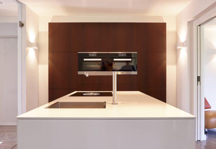 Stijlvolle keuken zwevend keukeneiland
